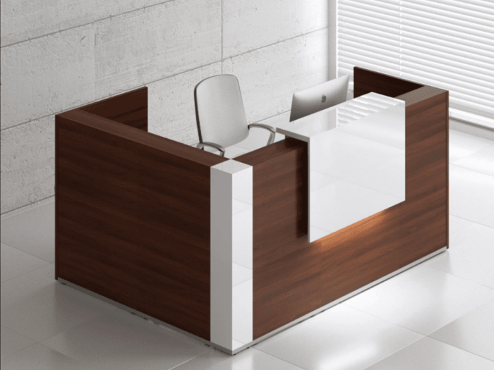 Andreas 8 – Reception Desk Enclosed Unit