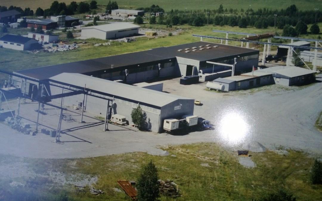 Teollisuushalli 3000 m2, Lounais-Suomi,energiakatselmus, energiasuunnitelma vanhan tilalle.