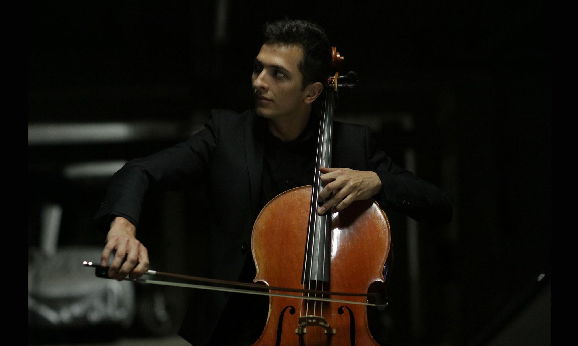 Aurélien PASCAL et son violoncelle