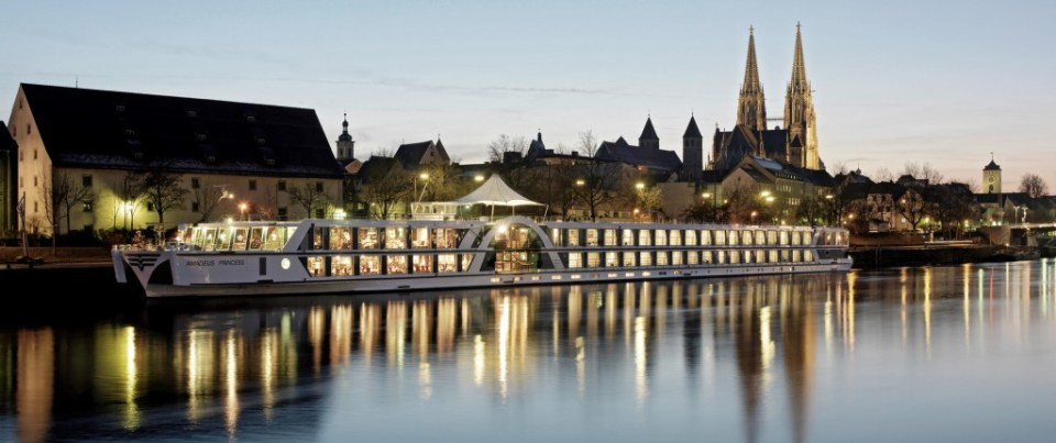 Danube river cruise christmas market cruise from Vienna