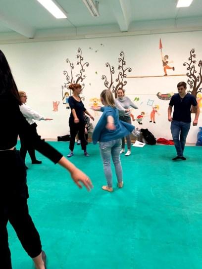 Berufliche-Schule-Paula-Fuerst-der-FAWZ-gGmbH_Kreativbereich_Bewegungsspiel-6