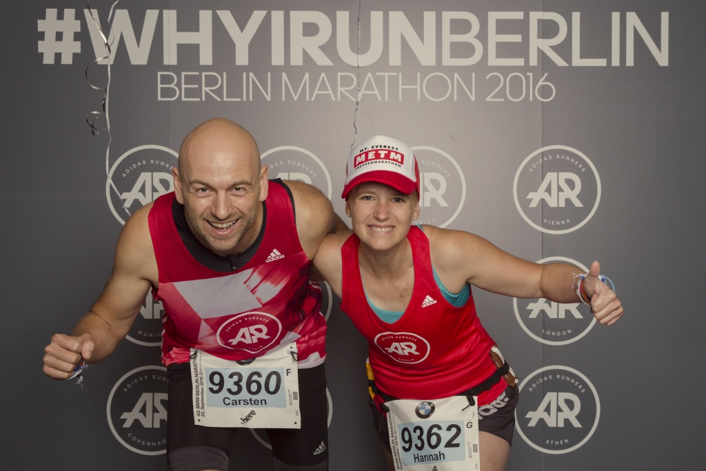 Coach Carsten und Coach Hannah kurz vor ihrem dritten Start beim Berlin Marathon