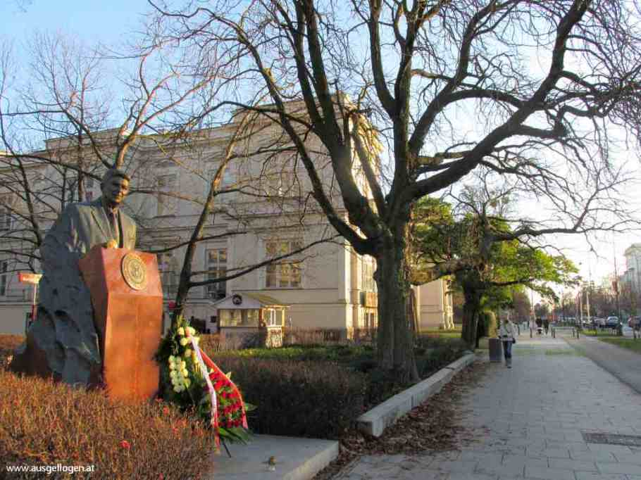 Warschau Ronald Reagan Denkmal