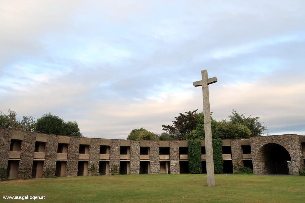 deutscher Soldatenfriedhof Mont Saint Michel