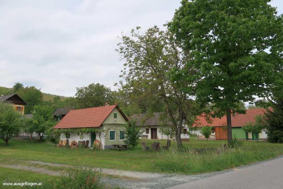 Pinkataler Weinstraße Kellerstöckl Weinidylle