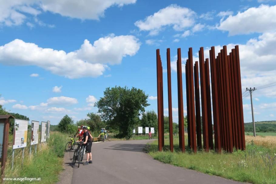Freiheitsweg Denkmal Kolonnadenweg Mikulov