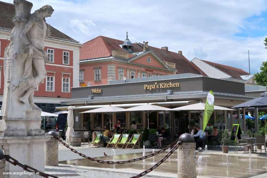 Wiener Neustadt Sehenswürdigkeiten Hauptplatz