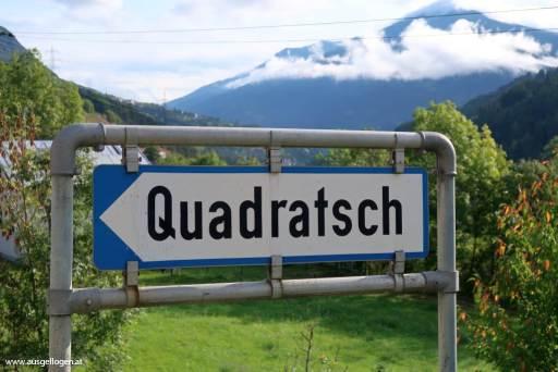Qaudratsch Ortstafel