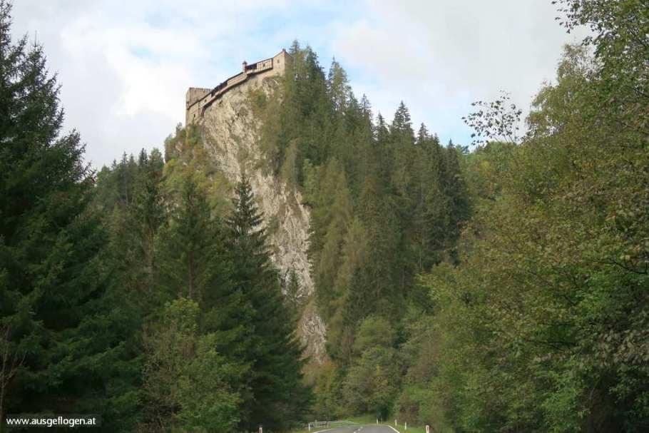 Einfahrt Kaunertal Burg Berneck