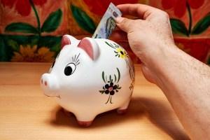 Geldtransfer ins Ausland Vergleich • Die AKTUELL besten Dienstleister • TESTSIEGER
