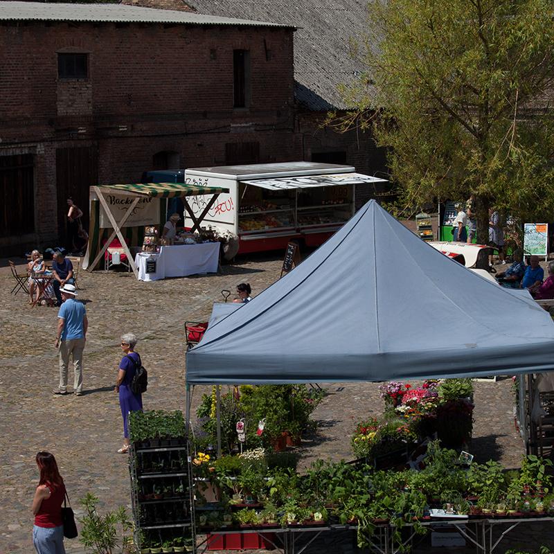 """Marktstände auf dem """"Willkommensfest"""" - Kulturfest der S5-Region in Altlandsberg"""