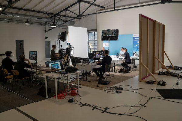 Virtuelle Pressekonferenz Produktion Hamburg