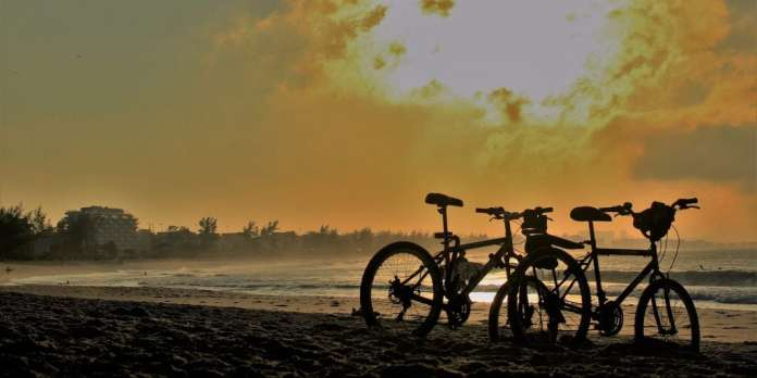 Sports and the outdoor lifestyle - Riding a bike