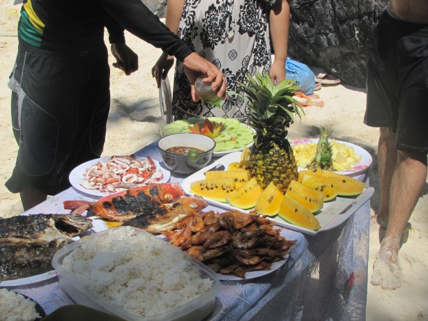 A veritable feast of delicious food on an El Nido Island Hopping tour.