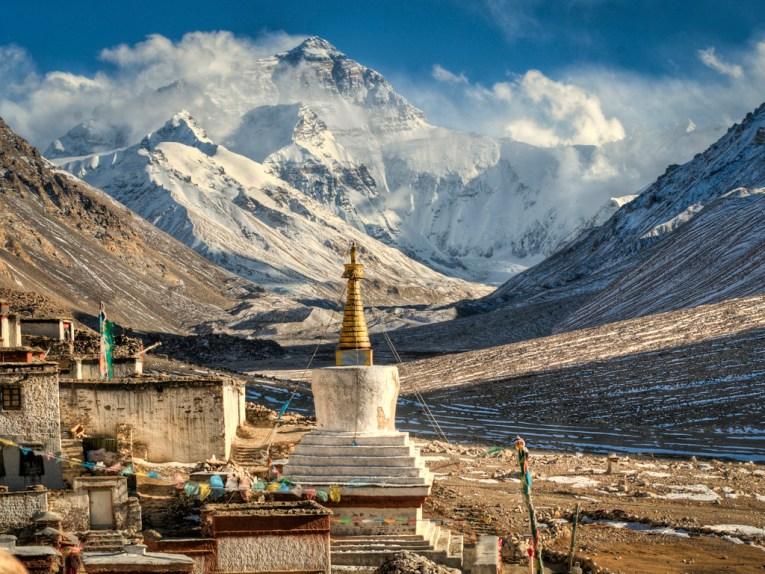mount everest from tibet
