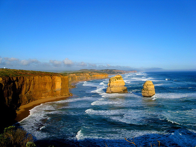 There's something striking about Australia just 'coming to an end' so abruptly along the Great Ocean Road.