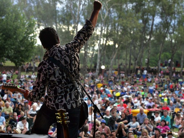 Thousands descend upon Tamworth to see one of Australia's biggest music festivals. Image courtesy of Top Tourist Parks.