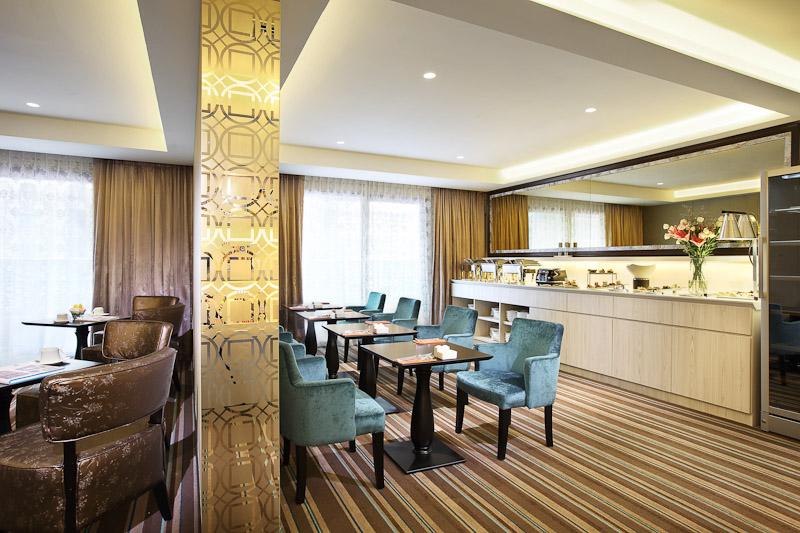 club lounge village hotel katong