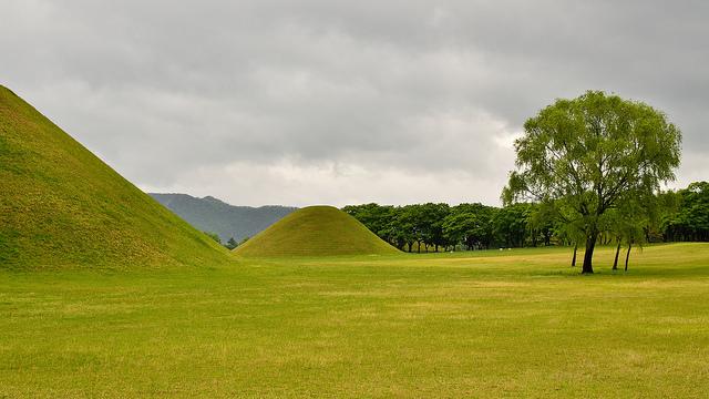 gyeongju tombs