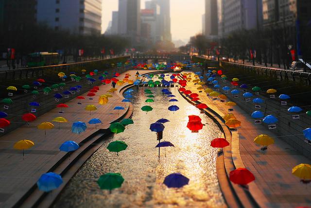 3. Cheongyecheon Stream