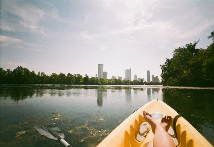 lake austin town water canoeing kayaking paddleboarding rental