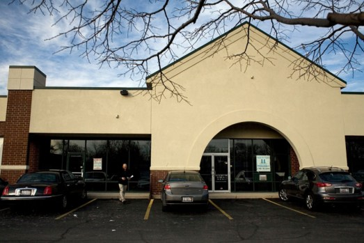 Austin, Galewood and Oak Park residents join forces to wage pawn shop battle.