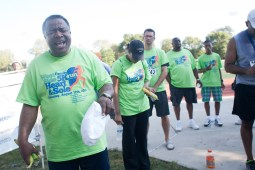 Pastor Lonneil Watson says a closing prayer for the walkers and runners, thanking God for good health.