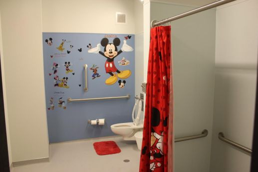 There are two bathrooms per floor at the new UCAN Therapeutic Youth Home in North Lawndale. | Wendell Hutson/Contributor.