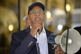 Karl Brandon, president of Chicago Westside NAACP branch, speaks on Friday, Sept. 29, during a rally outside of Chicago City Hall on LaSalle Street in Chicago. | ALEXA ROGALS/Staff Photographer