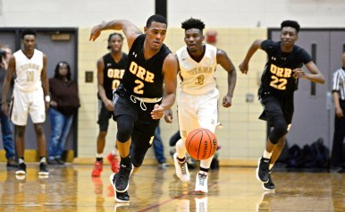 Humble champs: Orr's Emanuel O'Neal (2) races to the ball on Friday, during a game against Uplift at the 57th annual Proviso West Holiday Tournament at the school's campus in Hillside, Ill. | ALEXA ROGALS/Staff Photographer
