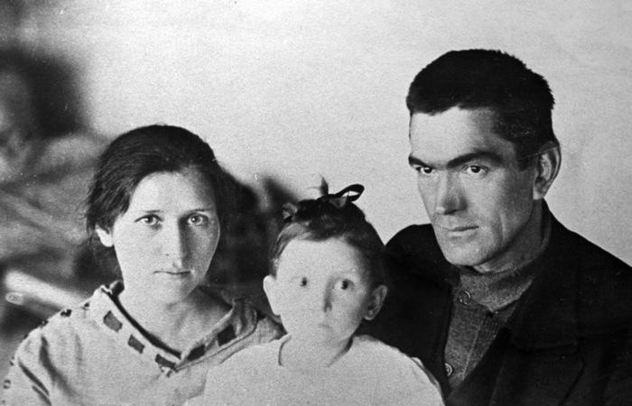 Цецилия, Ксения и Александр Зузенко. Из архива Ксении Зузенко