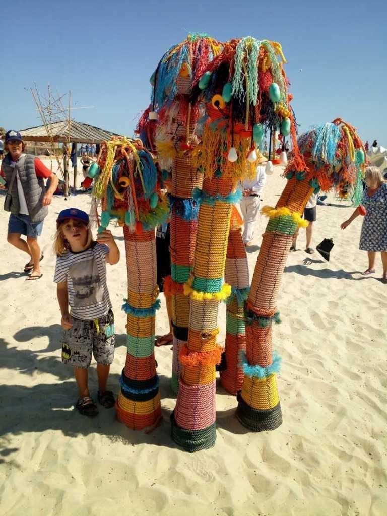 Скульптуры у моря, выставка в Перте в 2020 году
