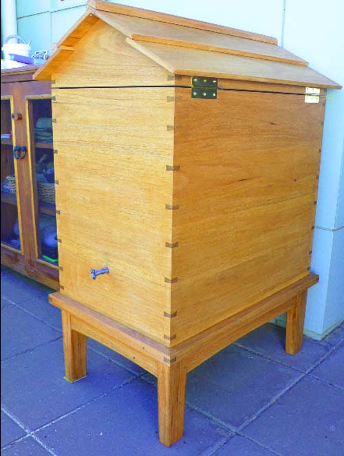Insulated box for stingless bees in canberra