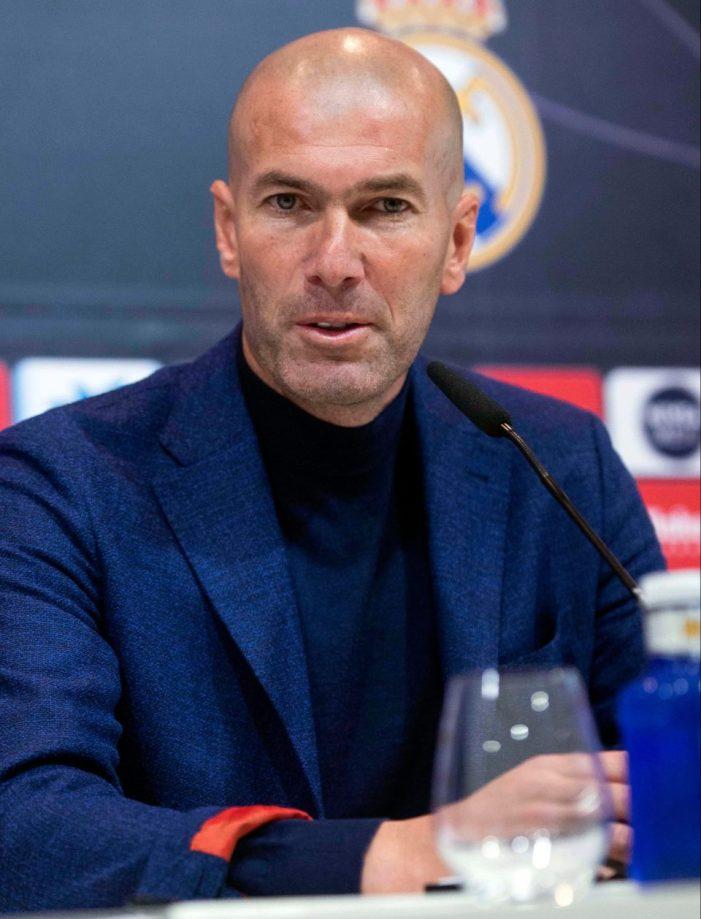 REAL Chelsea alignera Zinedine Zidane en remplacement d'Antonio Conte après sa décision de quitter le Real Madrid