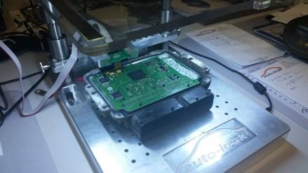 P1109 -Wadliwe działanie nastawnika komory wirowej  P2075 - Element wykonawczy klapy zasysanego powietrza - usterka obwodu prądowego