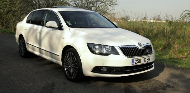 test-skoda-superb-20-tdi-103-kw-4x4-laurin_a_klement-p1