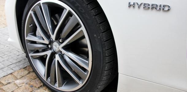 test-infiniti-q50s-hybrid-awd-at-p3