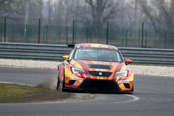 petr-fulin-seat-leon-cup-racer-testovani-slovakiaring-02