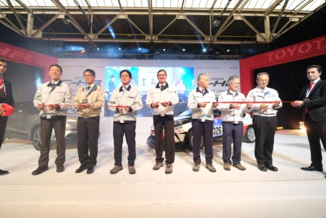 tmmt-c-hr-20internal-20ceremony-20for-20employees-cutting-20ribbon-202
