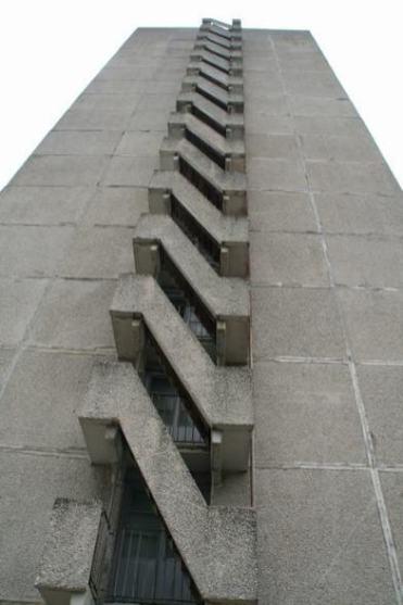 the_world.1192217880.064_staircasex_chornobyl