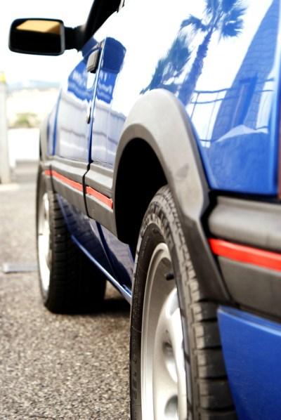 Peugeot 205 GTI 1993 bandeaux