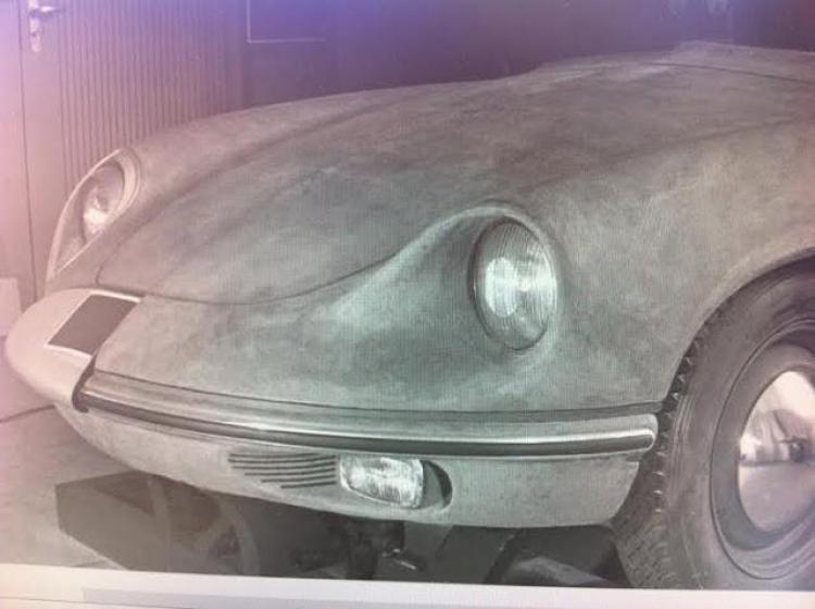 42- Porsche Komeda