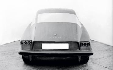 43- Porsche Komeda