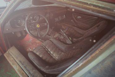 Ferrari-365-GTB4-Daytona-Aluminium interieur 2