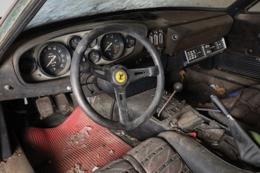 Ferrari-365-GTB4-Daytona-Aluminium interieur