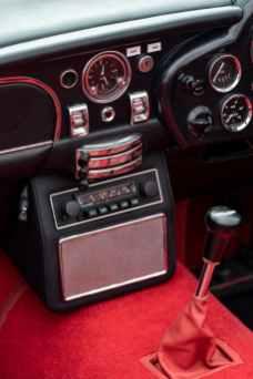 Aston Electrique 8