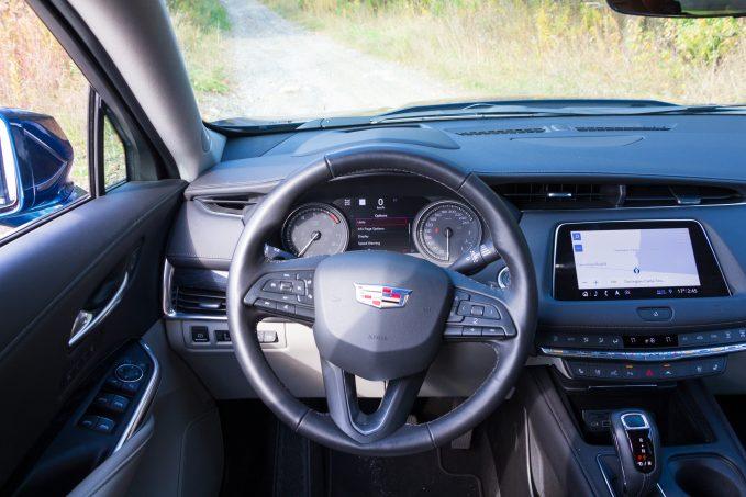 Lexus UX vs Cadillac XT4 Comparison