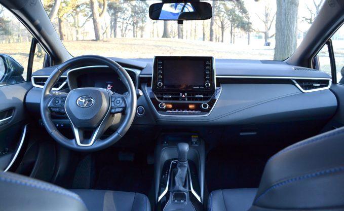 2020 Honda Civic vs 2020 Toyota Corolla Comparison