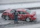 Autounfall im einem Schneesturm. ©istock.com/FatCamera