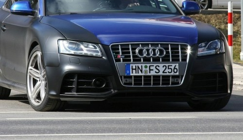 audi-rs5-first-spy-photos-small